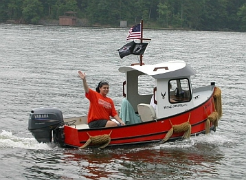 Mini Tug Boats for Sale http://forum.woodenboat.com/showthread.php?111484-New-Mini-Tug-Boat-Build