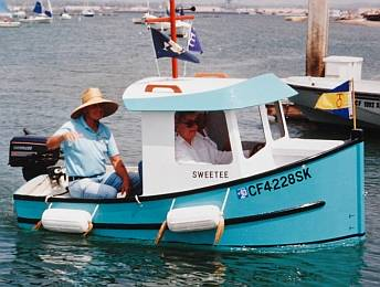 Micro 9 Tugboat